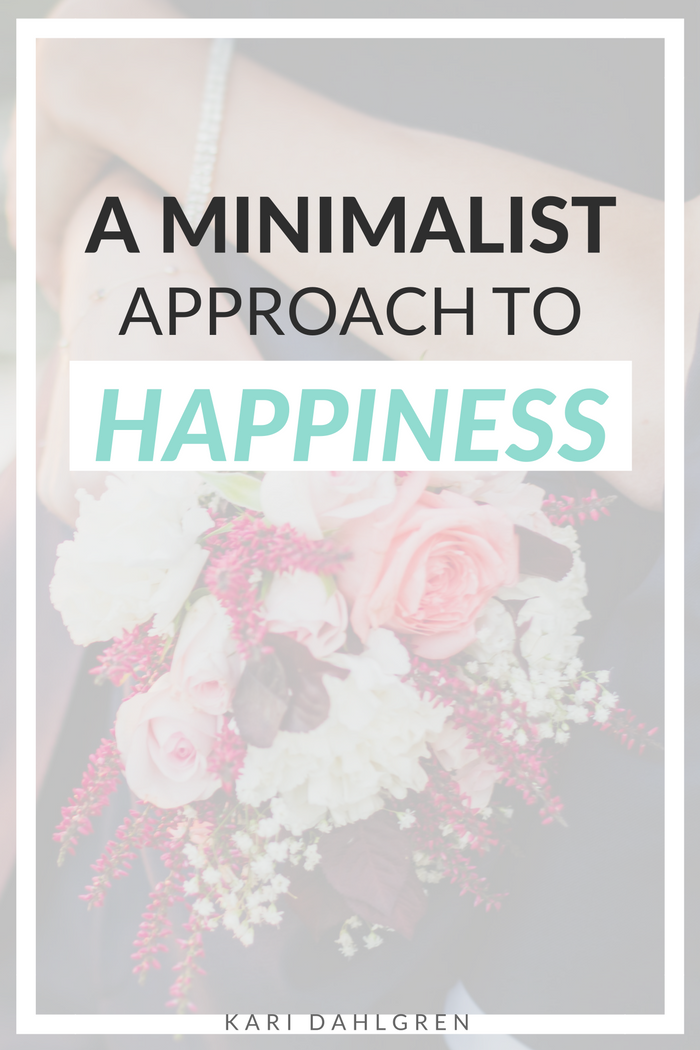 Learn how to be happy by a minimalist's standards. Click through to read about the amazing brain science behind the art of contentment. <3